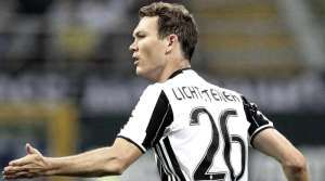 Besiktas will look to sign Juventus right-back Stephan Lichtsteiner