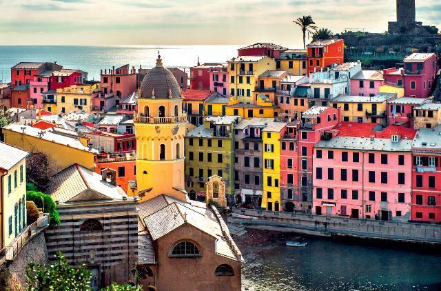 The #journey, not the arrival matters.   Conta il #viaggio, non l'arrivo.   #travel #wonderlust #italy #CinqueTerre