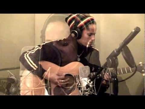 Gabin - Slow Dancing Dans La Maison ft. Zstar aka Zee Gachette - © RNC Music, 2012 - https://itunes.apple.com/it/album/tad-replay/id572908585