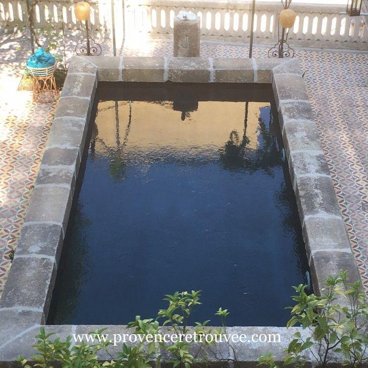 Piscine Dans Un Style De Vieux Bassin Ancien En Pierre Piscine Piscine Et Jardin Piscine Bassin