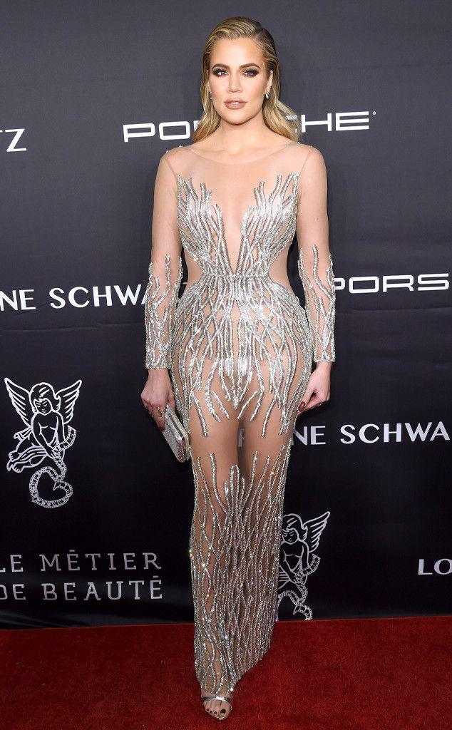 Khloé Kardashian de La photo du moment  Khloé pailletée ! La star de la télé-réalité est sublime sur le tapis rouge de l'événement Angel Ball 2016 présenté par la Gabrielle's Angel Foundation For Cancer Research à New York.