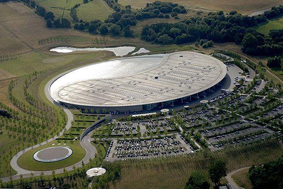 McLaren Technology Center - Norman Foster