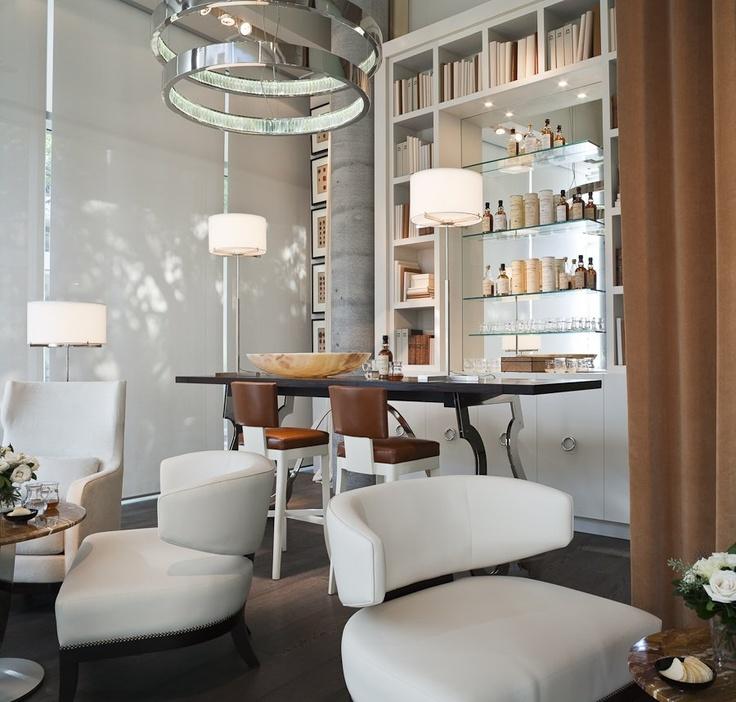 https://i.pinimg.com/736x/c9/10/ec/c910ec86d79bd0fc59d01eea6500485c--home-bar-designs-boutique-interior.jpg
