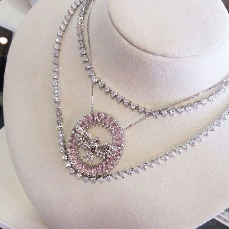 Riviera combinada com Espírito Santo em rosa quartzo😍💘  Compre Joias no atacado com a Queen Joias💎    #joias #atacadodejoias #joiasnoatacado #atacado #revender #revenderjoias #dinheiro #extra #dinheiroextra #alta #joalheria #altajoalheria #prata #925 #prata925 #ródio #jewelry #jewels #presente #para #namorada #dia #namorados #mães #mãe #dica #criativo #criativa