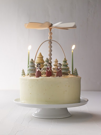 OH MY GOD!  I can't believe this cake!!  Reminds me of the german windmills!