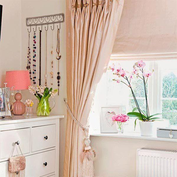 Vintage-floral-romantic-bedroom