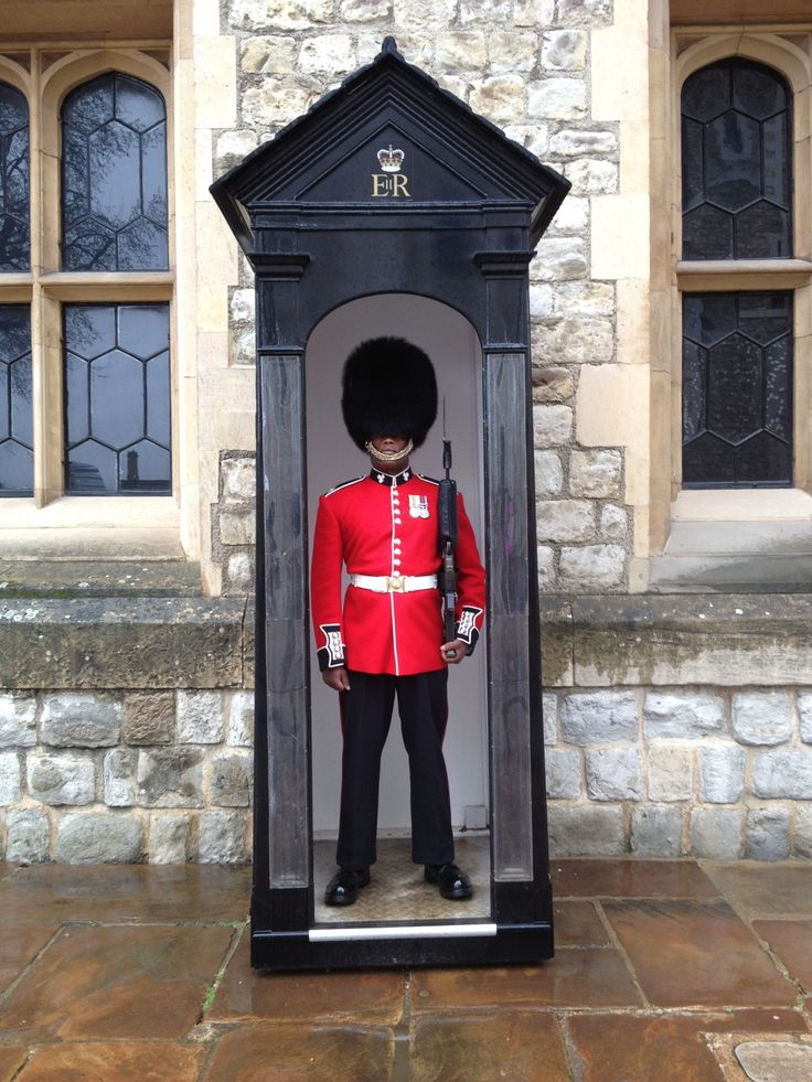 British soldier on guard duty, Tower Of London, London, England