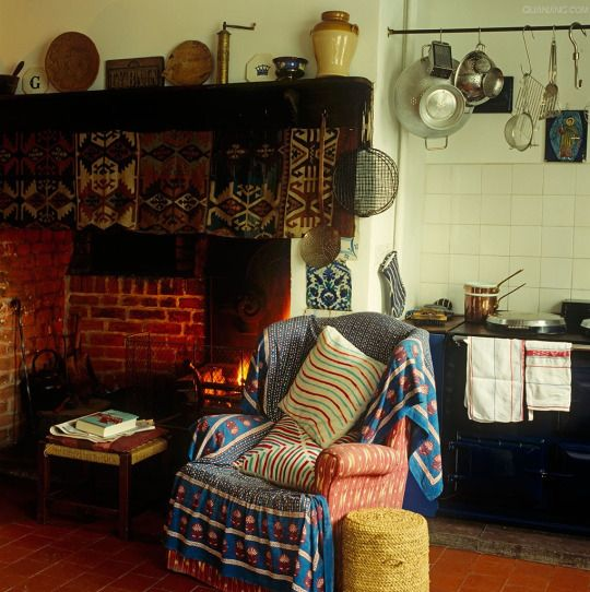 Style: Cottage-Country-Farmhouse
