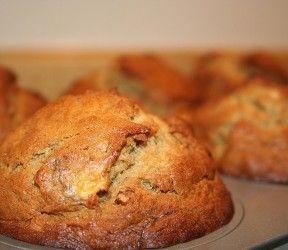 Lowcarb basis muffin: ipv sojabloem gebruikte ik 80g sojameel en 140g tarwegluten + 1 staaltje vanille-extract, Lekker! bijna 3g khwaarde/muffin
