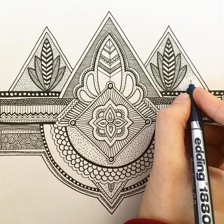 Zentangle art Mandala ilustración Illustration hand drawn dibujo draw monochrome blanco y negro hecho a mano