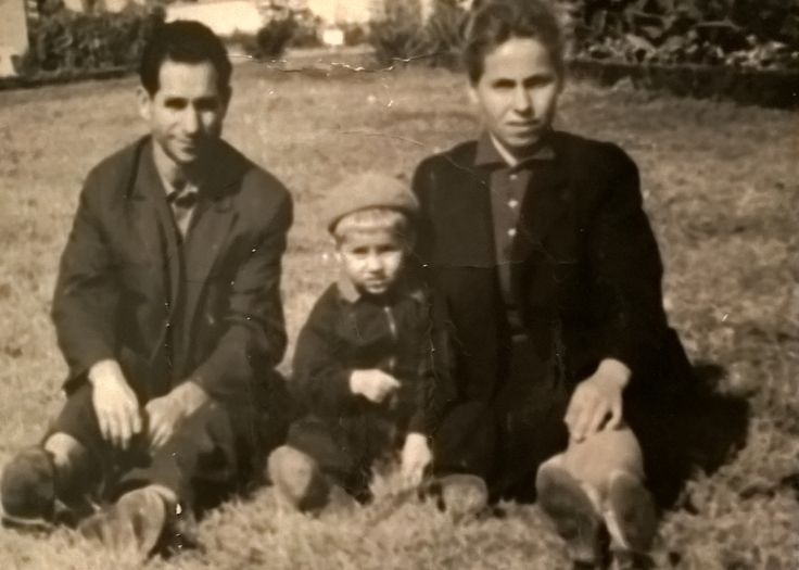 My Ex. Father NEAGU MIHAI , Born in 23 November 1924 in Cernauti , and My Ex. Mother NEAGU EUGENIA , with First Name ADOMNITII EUGENIA , Born in 12 October 1932 in Partestii de Jos - Suceava , and Son NEAGU MIRCEA , Born in 29 April 1963 in Bucharest . Photo , is from Year 1967 ? , in Bucharest , with My Addressee : NEAGU MIRCEA - Bulevardul Mihai Bravu Nr.98-106 Bloc D.16 Sc.1 Etaj 6 Ap.23 Sector 2 Of.Postal 39 Cod.-021332 Bucharest .