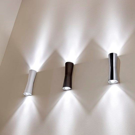 'Clessidra' The 20° and 40° relates to the angle of the light emitted at the top and at the bottom.Suitable for use in the bathroom and in outdoor areas.