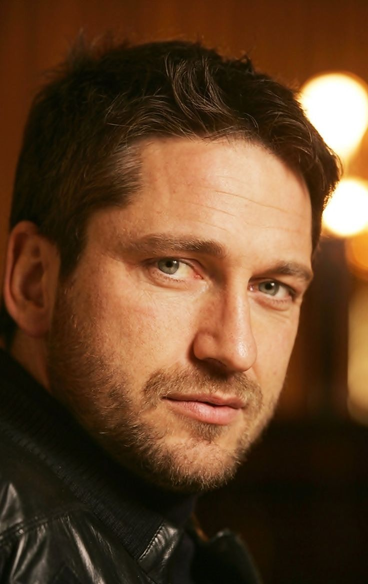 Gerard butler scottish accent snl celebrity