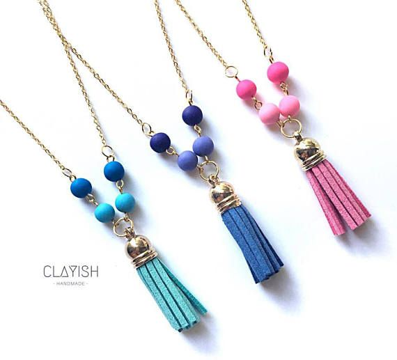 This beautifully match of polymer clay beads and tassel necklace will definitely make your outfit stand out! Polymer clay beads are available in 3 colours (pink, purple and blue) and chain available in 2 colours (silver and gold). Custom order is welcome too! Beads Materials: Polymer Clay Bead Colour: Blue/Purple/Pink Chain Materials: Copper Chain Colour: Gold/SIlver Length: 50.5cm Every piece of the clay is carefully shaped and completed by hand, therefore each of them is u...