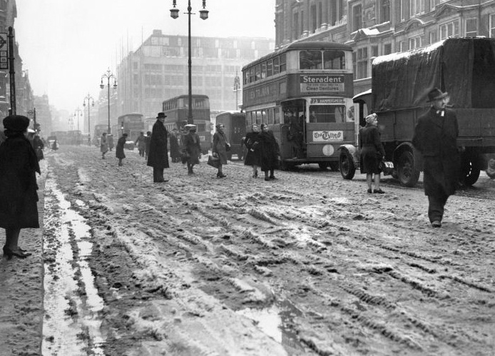 Snowy Oxford Street in the winter of 1947.
