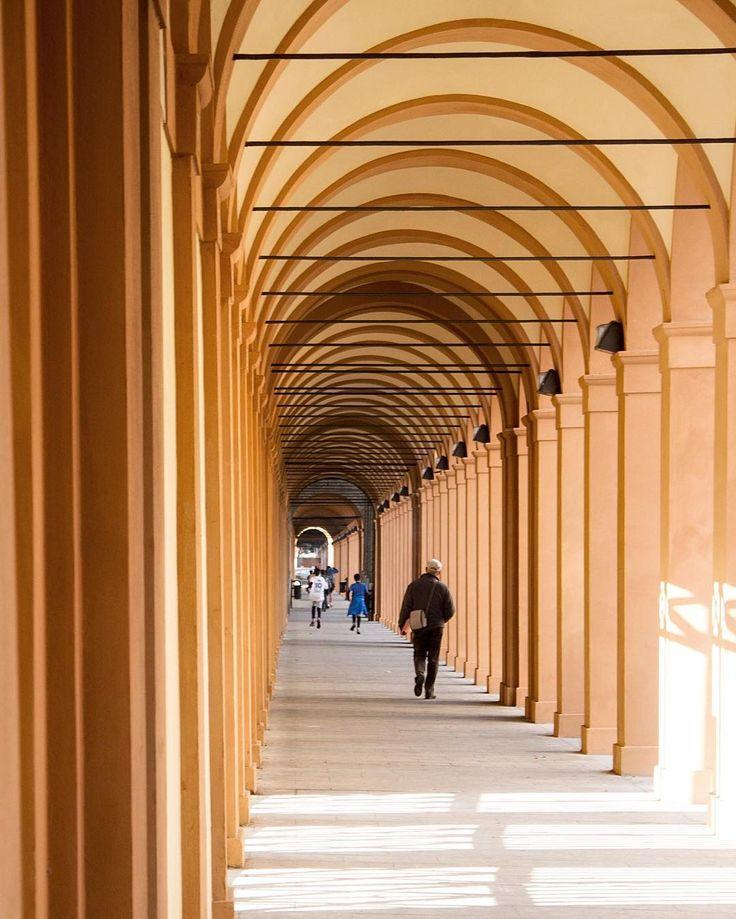 I portici di Bologna che portano a San Luca