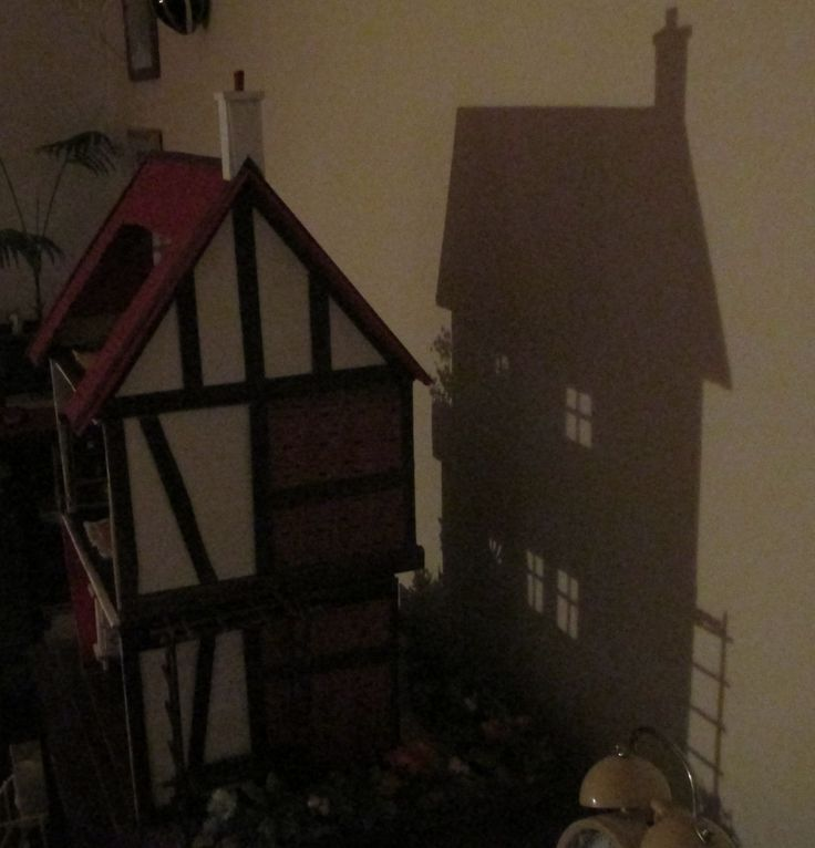 Midsomer cottage in the evening