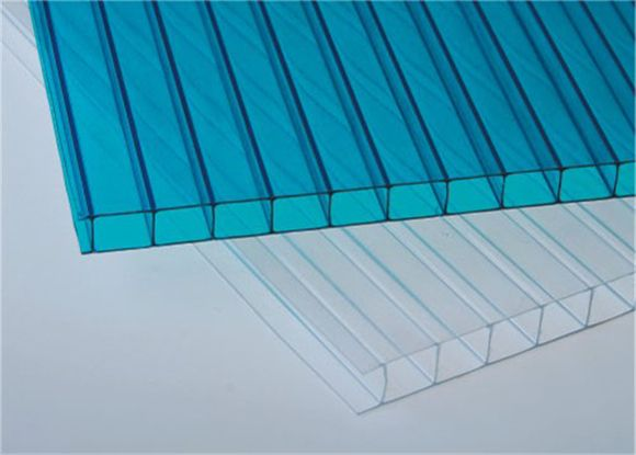 Excelite polycarbonate twin wall polycarbonate panels are UV resistant which greatly help to extend service life. Roofing light sheet and sunshade for building etc.  Good weather resistance and UV protection; High heat insulation, Simply processed and installed