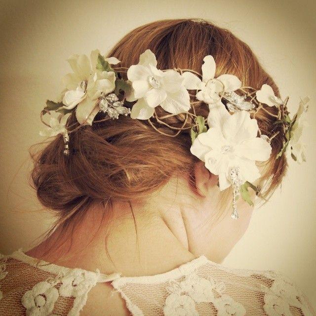 インスタで見つけたブライダルヘア♡世界の花嫁のリアル髪飾り事情*にて紹介している画像