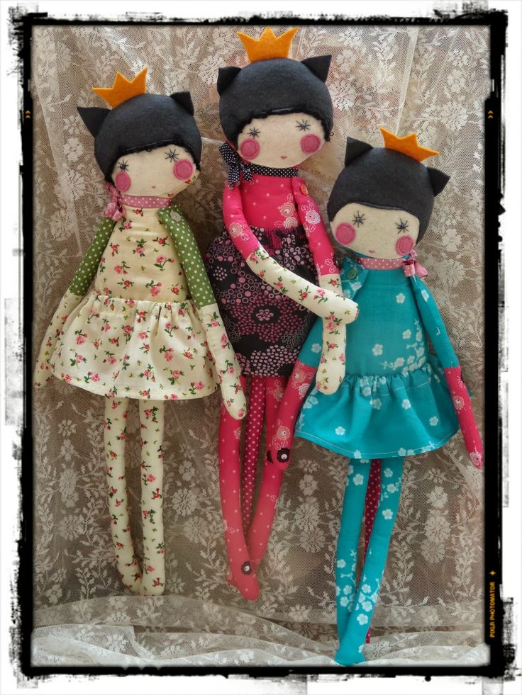 long legged dolls (don't go to the website - has malware attached says my antivirus program.  Just get idea from the picture.)