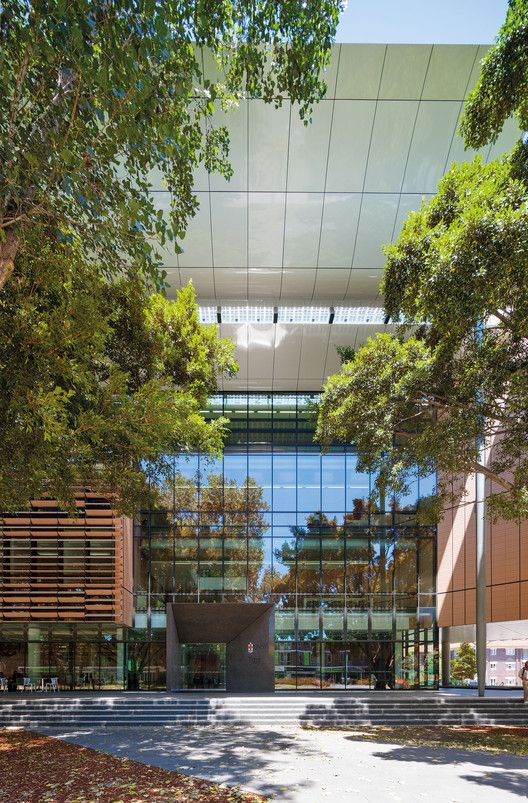 Main entry from University Mall, Tyree Building, UNSW Australia