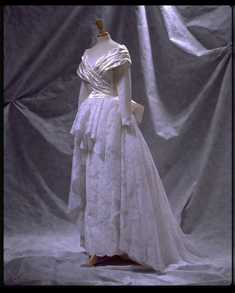 1987 Wedding dress | Edelstein, Victor | © Victoria and Albert Museum, London