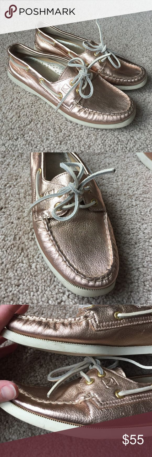 Sperry metallic rose gold shoes sz 7 Excellent condition metallic rose gold, copper colored sperrys ! No signs of wear on leather and only minor scuffs on white bottom part. Sperry Top-Sider Shoes Flats & Loafers