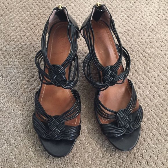 "LOFT black strappy wedge w/details, wood look heel LOFT black strappy wedge w/details, wood look heel. 4"" wedge with 1"" platform area near toe. Comfortable even with the zipper at the back, there is leather to protect you from the zipper! These are the PERFECT summer wedge with lots of great details 😍 LOFT Shoes Wedges"