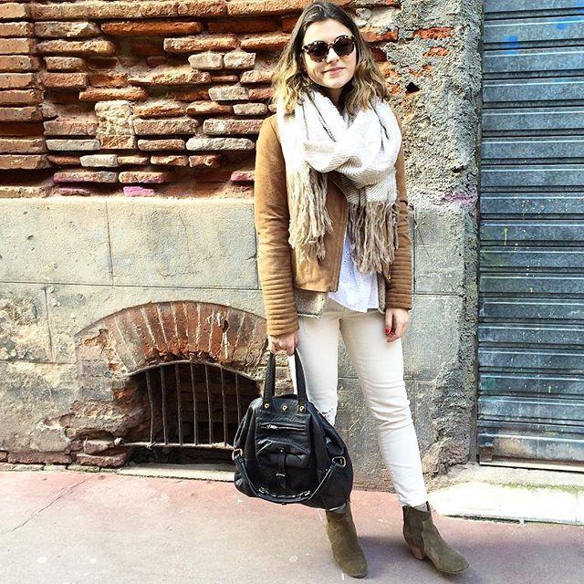 ~ Dans les rues de Toulouse... • Perfecto daim #esprit • Jean #zara • Bottines #isabelmarant • Sac #jeromedreyfuss • Écharpe #primark