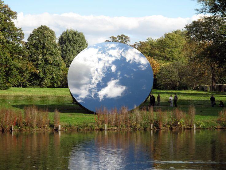 Sky Mirror (2010-2011), by Anish Kapoor