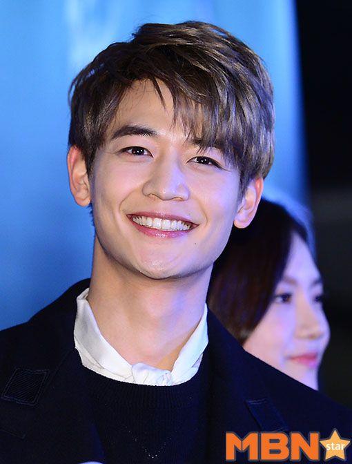 161122 Onew, Minho - 'Derailed' Movie VIP Premiere