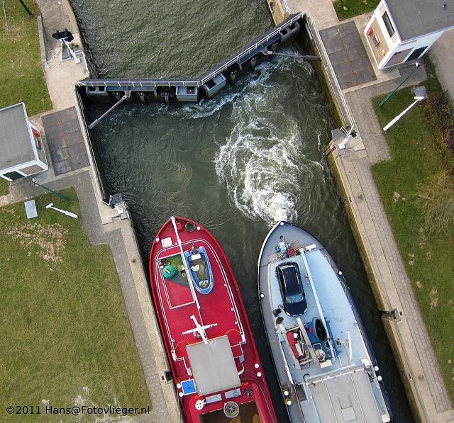 Sluis en Stuw bij Amerongen 5179 by hanselpedia, via Flickr
