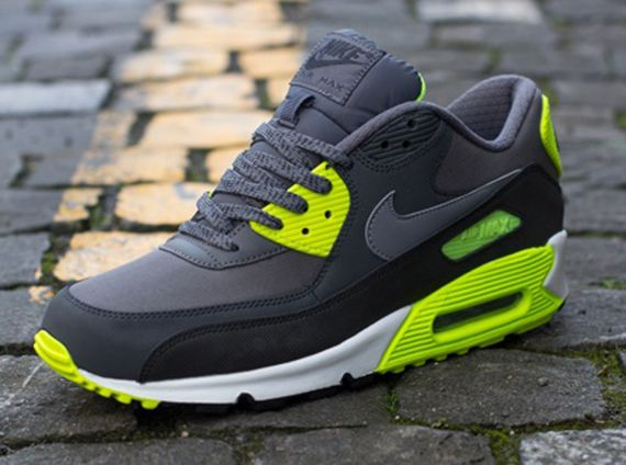 Nike Air Max 90 Essential - Gri - Volt - SneakerNews.com