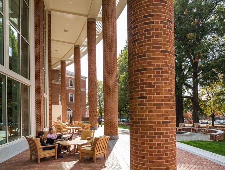 Robert A. M. Stern; Farrell Hall, Wake Forest Schools of Business, Wake Forest University (New Construction); Winston-Salem, North Carolina, 2013.