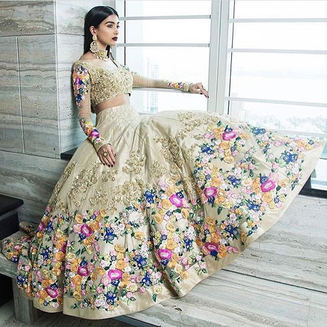 We. Are. In. Love. @houseofneetalulla takes the bridal Lehenga to a whole new level of contemporary!  Photo : @poojaachan  weddingz.in | India's Largest Wedding Company | Wedding Venues, Vendors and Inspiration | Indian Wedding Bridal Jewellery Ideas |