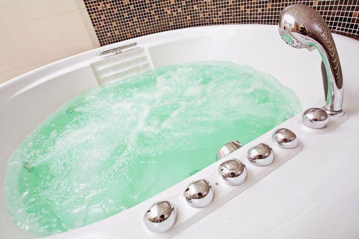 Доброе утро, наши дорогие друзья!  Наш выбор дня - гидромассажная #ванна #джакузи  Джакузи – правильный выбор, это разумное вложение денег для душевного и физического комфорта всей Вашей семьи. #сантехника