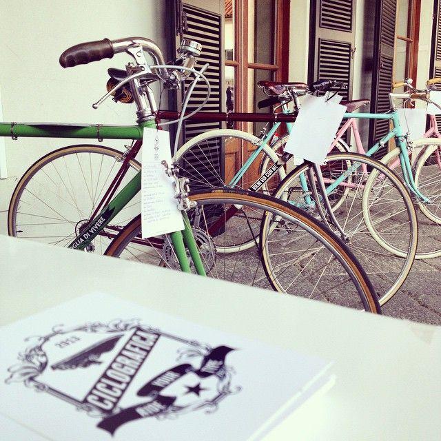 Una Cavenago vintage con le bici Ciclografica