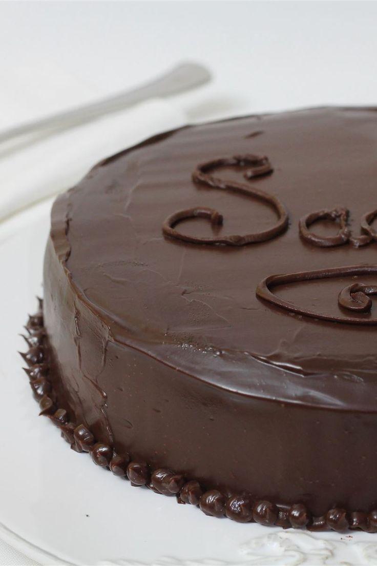 La torta Sacher, o in tedesco Sacher-torte, è una torta al cioccolato composta da due strati leggeri di torta al cioccolato con al centro arricchita con della marmellata di albicocche, il tutto ricoperta con della glassa al cioccolato fondente.