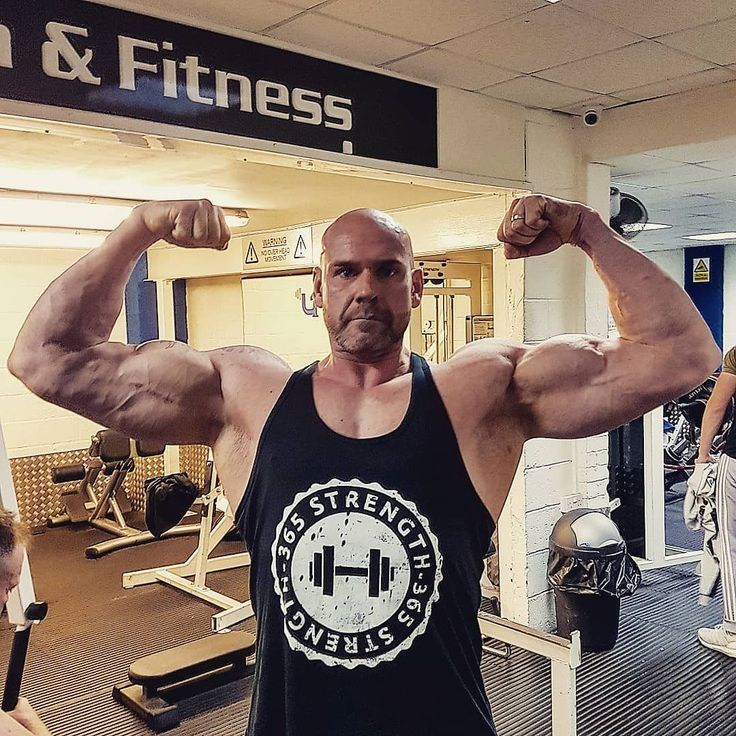 @neil.hulland looking big in the 365 Strength Stringer Vest  #pumpingiron #guns #gainz #weightraining #weightlifting #bodybuildinglife #bodybuildingclothing #gymapparel #gym #beastmode #muscles #strengthandconditioning #stringervest #strength #whentrainingislife #nopainnogain