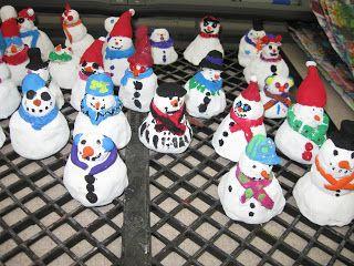 Sneeuwmannen van klei