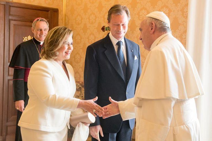 Le grand duc Henri et la grande duchesse Maria Teresa rencontre le pape François au Vatican.