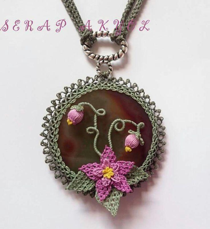#iğneoyaları#kolye#elini# needlelace #çiçek #pembe#iğnemden#göznuru