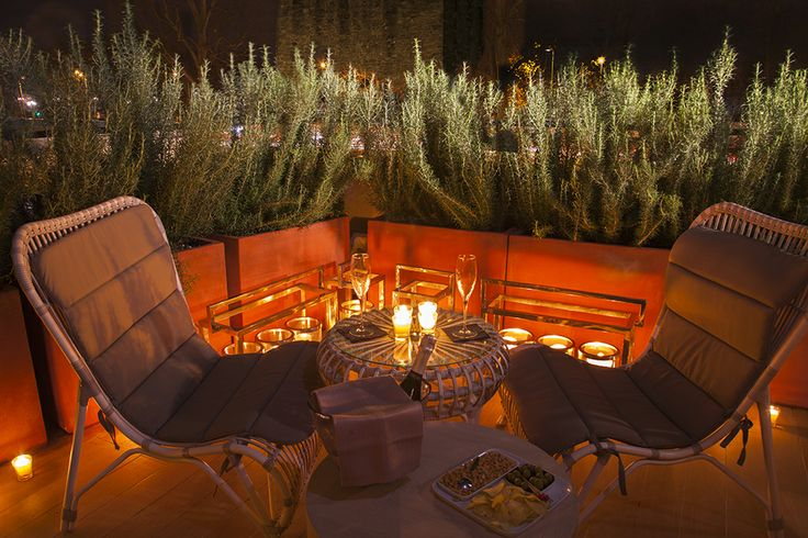 Candlelight dinner on the Suite's terrace #starhotels #michelangelo #florence #firenze