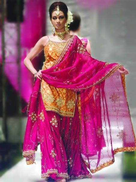 Perfect #wedding and #reception #Pakistani #bridal #gharara #suit for bride in Cambridge UK http://lnk.al/NEv
