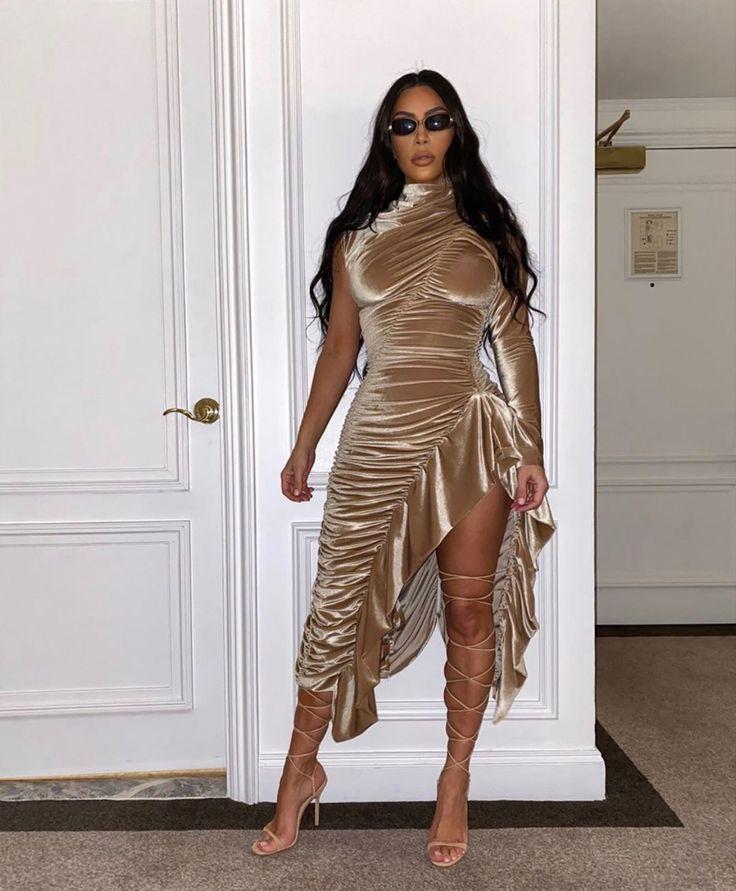 May 3, 2019 | Fashion, Kim kardashian outfits, Kim