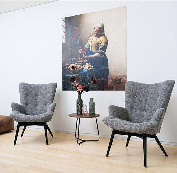 Betaalbare Design Meubelen: Leen Bakker Arne Fauteuils, Taupe Stof Kleur & Ixxi Melkmeisje Wanddecoratie (Foto Leen Bakker  op DroomHome.nl)