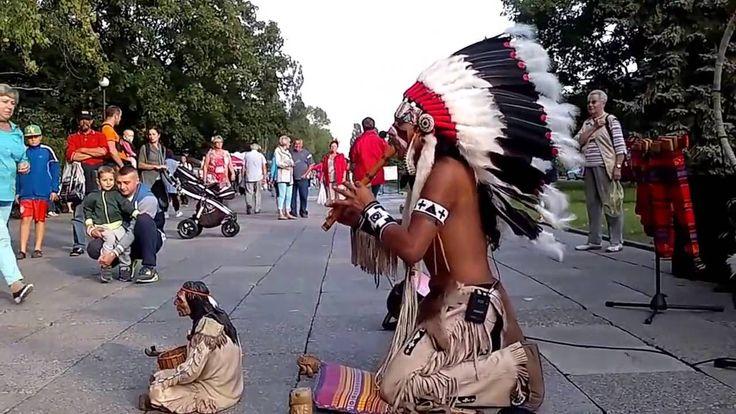 Уичо́ли (исп. huichol, самоназвание wixárika (wirrárika) или во мн. числе wixáritari (wirráritari) —   «настоящие люди») — индейский народ  «Полёт кондора»  в исполнении Александро Кейривэлу.