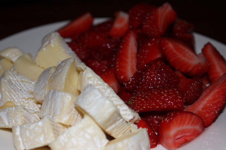Strawberrys and cheese