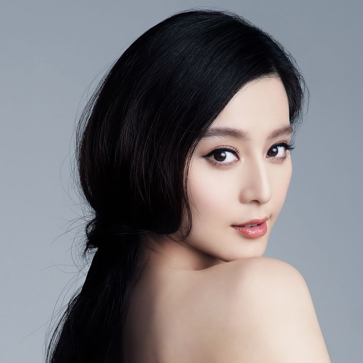 I'm not Asian but I still love this look! Gorgeous make up