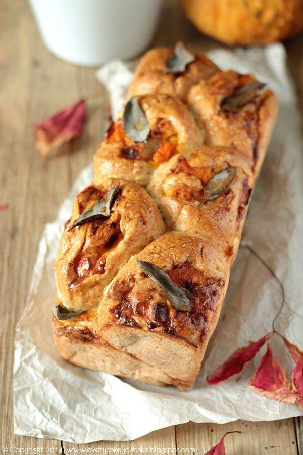 Every Cake You Bake: Odrywany chleb z dynią, fetą i szałwią